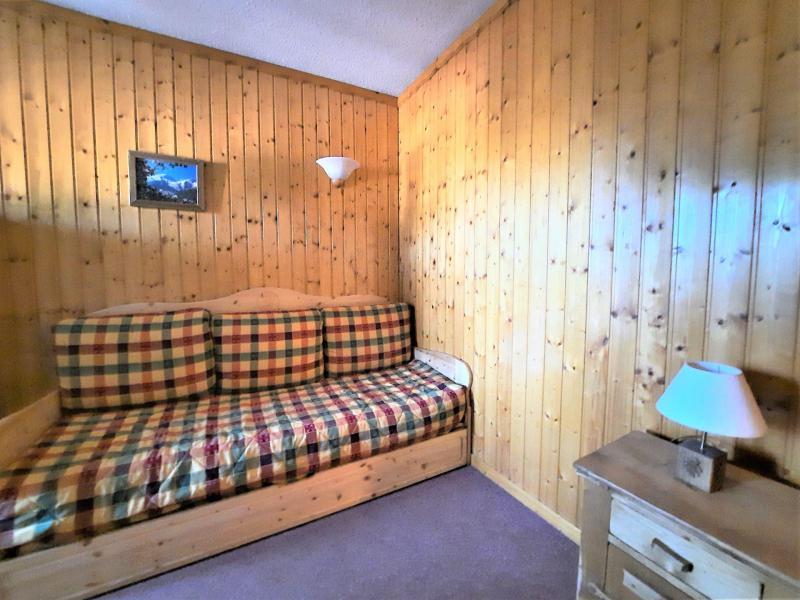 Location au ski Studio cabine 4 personnes (106) - Résidence Gentianes - Les Menuires