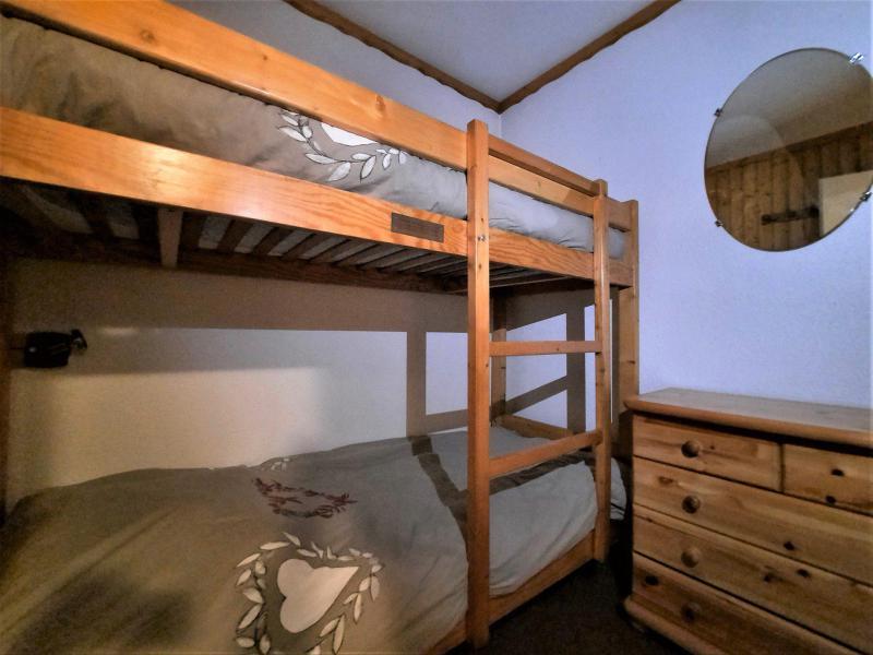Location au ski Studio cabine 4 personnes (106) - Résidence Gentianes - Les Menuires - Appartement