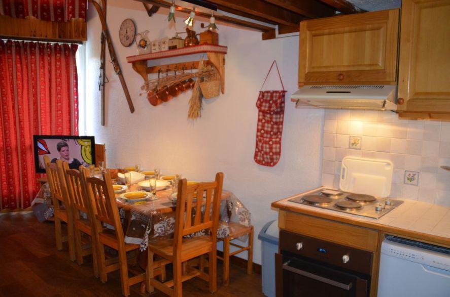 Location au ski Appartement 3 pièces mezzanine 8 personnes (1009) - Résidence la Grande Masse - Les Menuires - Coin repas