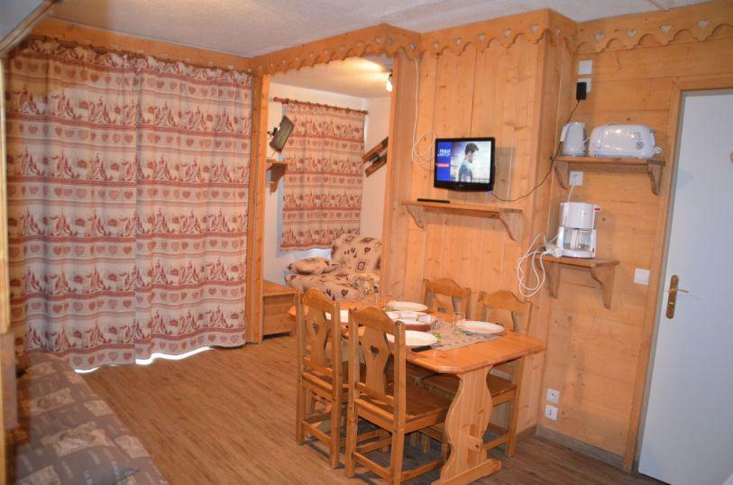 Location au ski Appartement 1 pièces 4 personnes (B77) - Résidence le Jettay - Les Menuires - Table