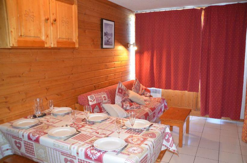 Location au ski Studio cabine 4 personnes (106) - Residence Le Villaret - Les Menuires