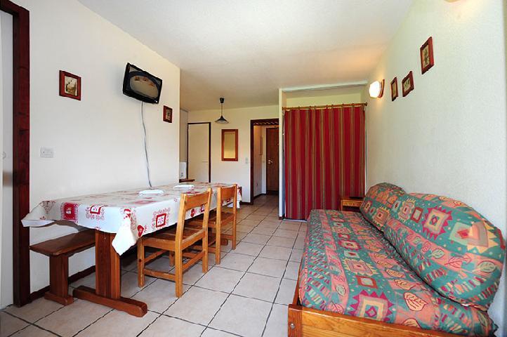 Location au ski Appartement 2 pièces cabine 6 personnes (050) - Résidence les Balcons d'Olympie - Les Menuires - Canapé