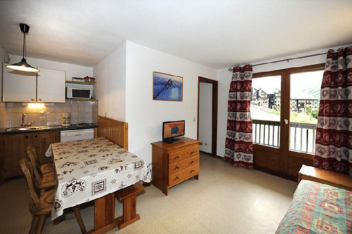Location au ski Appartement 2 pièces cabine 6 personnes (110) - Résidence les Balcons d'Olympie - Les Menuires - Séjour