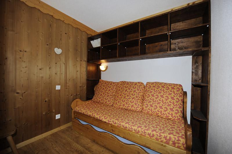 Location au ski Appartement 2 pièces cabine mezzanine 8 personnes (640) - Résidence les Balcons d'Olympie - Les Menuires - Banquette