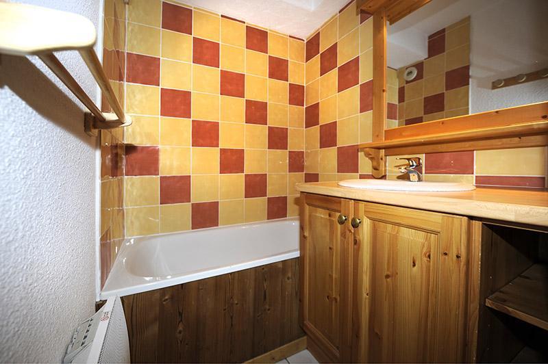 Location au ski Appartement 2 pièces cabine mezzanine 8 personnes (640) - Résidence les Balcons d'Olympie - Les Menuires - Salle de bains