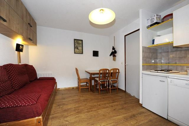 Location au ski Studio cabine 4 personnes (108) - Résidence les Balcons d'Olympie - Les Menuires - Kitchenette