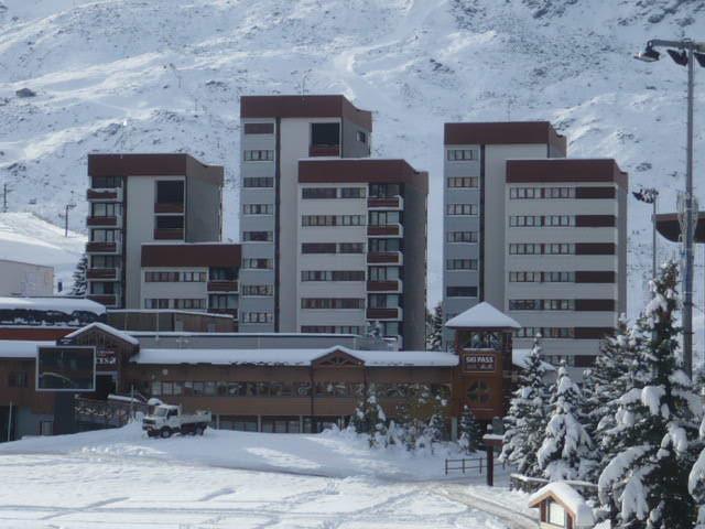Vacances en montagne Résidence les Charmettes - Les Menuires - Extérieur hiver