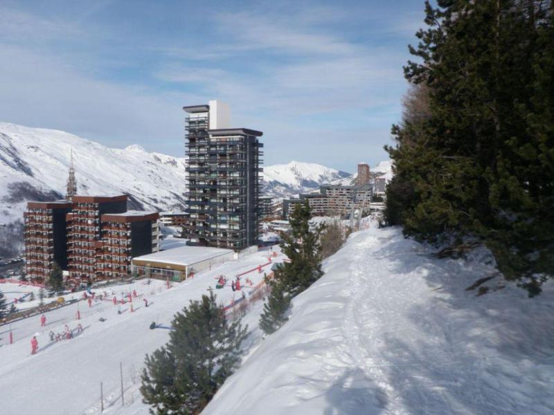 Location au ski Residence Les Dorons - Les Menuires - Extérieur hiver
