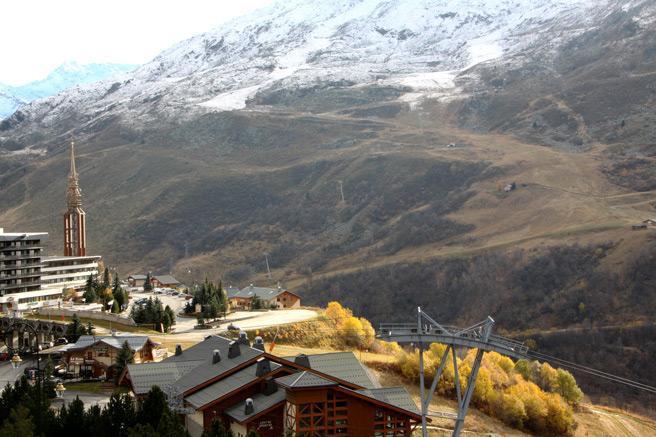 Vacances en montagne Appartement duplex 3 pièces 8 personnes (D1) - Résidence les Lauzes - Les Menuires - Extérieur hiver