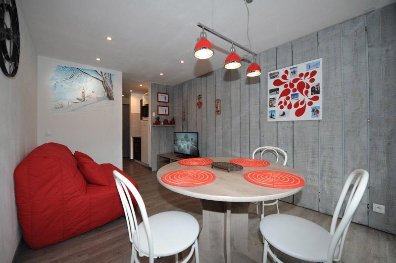 Location au ski Appartement 2 pièces 4 personnes (8) - Résidence les Lauzes - Les Menuires - Table