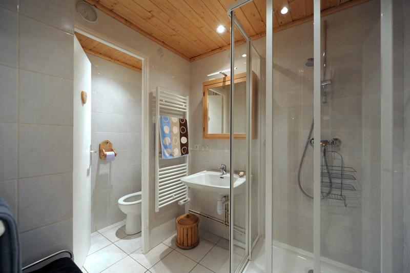 Location au ski Appartement 2 pièces 6 personnes (A5) - Résidence les Lauzes - Les Menuires - Table