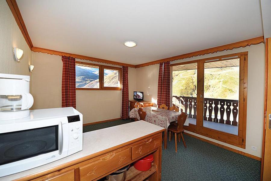 Location au ski Appartement 3 pièces 6 personnes (205) - Résidence les Valmonts - Les Menuires - Table