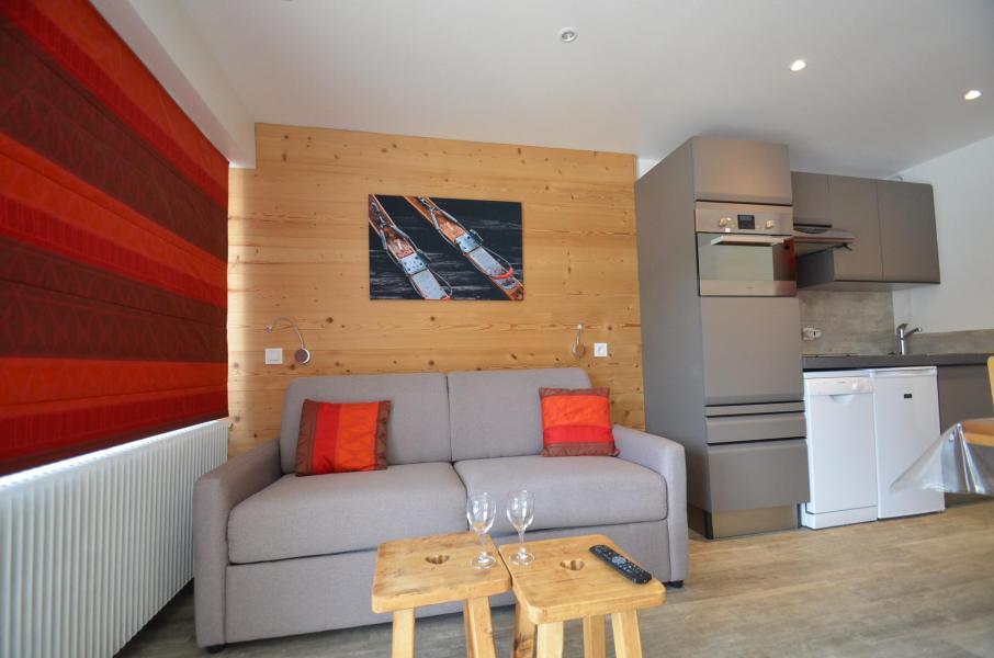 Location au ski Studio coin montagne 4 personnes (62) - Résidence Oisans - Les Menuires - Extérieur hiver