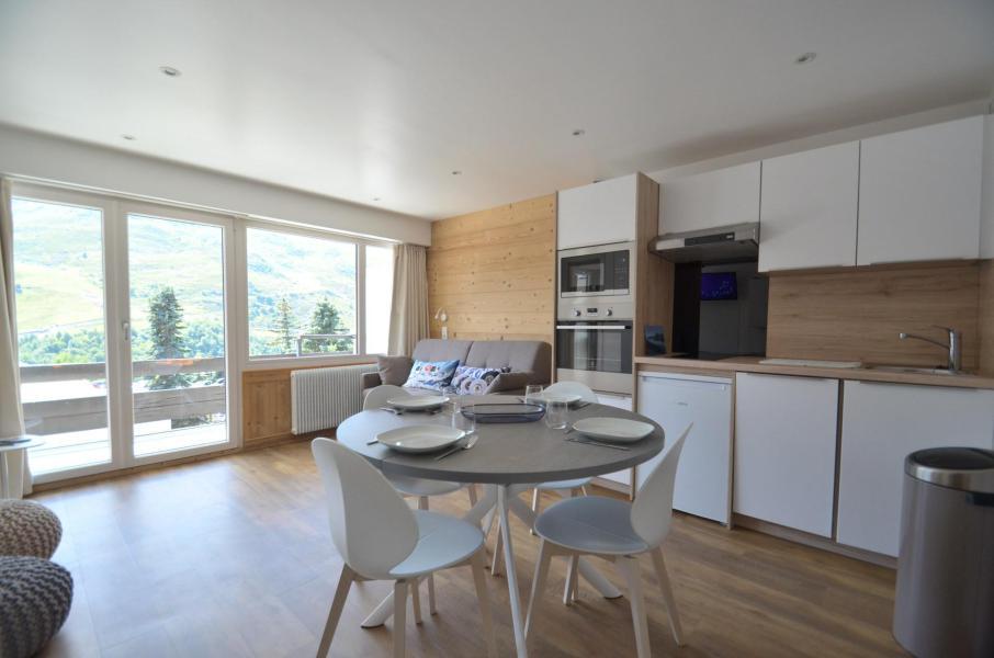 Location au ski Studio cabine 4 personnes (22) - Résidence Oisans - Les Menuires