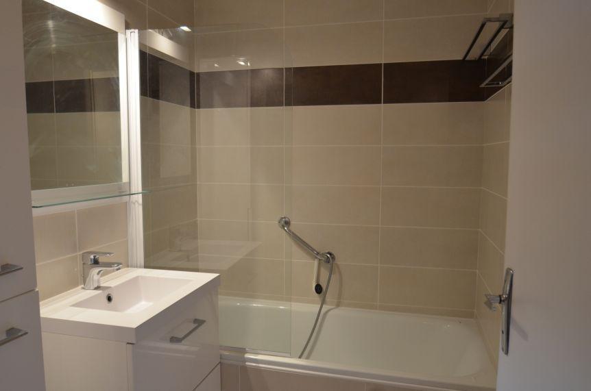 Location au ski Appartement 2 pièces 6 personnes (44) - Résidence Oisans - Les Menuires - Appartement