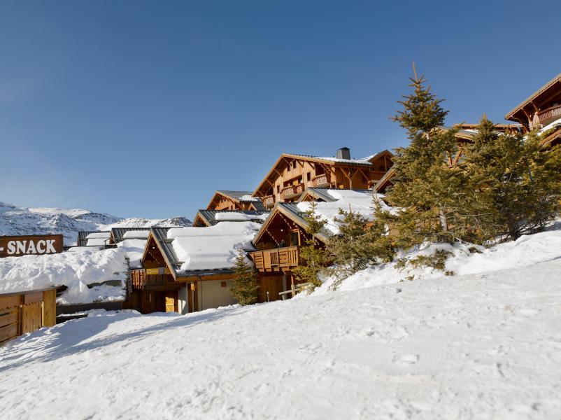 Vakantie in de bergen Résidence P&V Premium les Alpages de Reberty - Les Menuires - Buiten winter