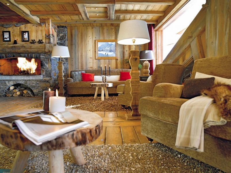 Skiverleih Résidence P&V Premium les Alpages de Reberty - Les Menuires - Kamin