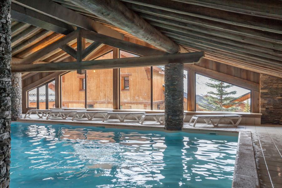 Location au ski Résidence P&V Premium les Alpages de Reberty - Les Menuires - Piscine