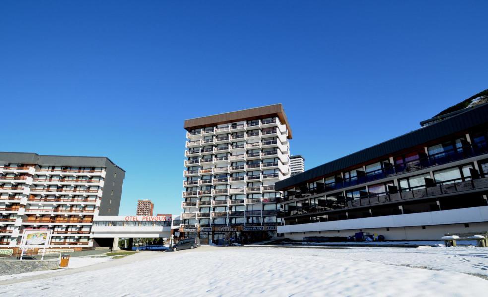 Vacances en montagne Résidence Pelvoux - Les Menuires - Extérieur hiver