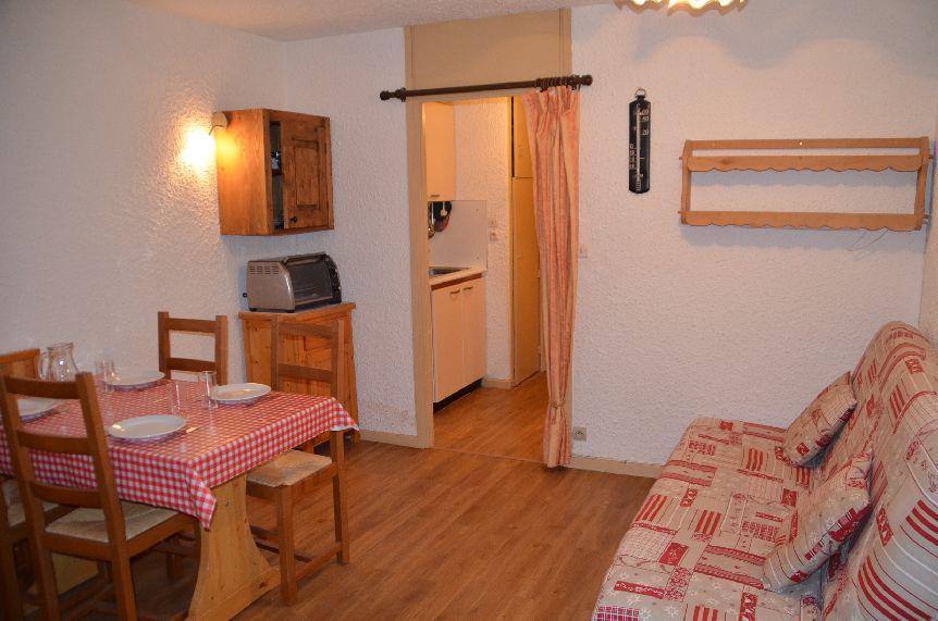Location au ski Studio 3 personnes (32) - Résidence Pelvoux - Les Menuires - Appartement