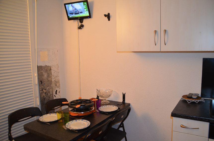 Location au ski Studio 2 personnes (301) - Résidence Sarvan - Les Menuires - Coin repas