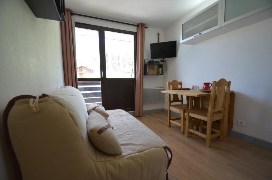 Location au ski Studio cabine 2 personnes (501) - Residence Sarvan - Les Menuires - Séjour