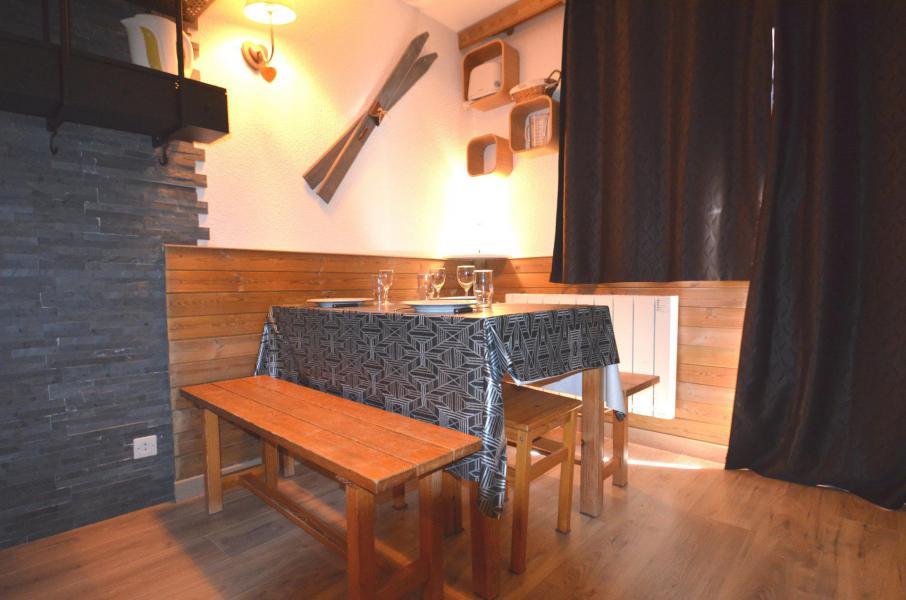 Location au ski Studio coin montagne 3 personnes (402) - Résidence Sarvan - Les Menuires - Lits superposés