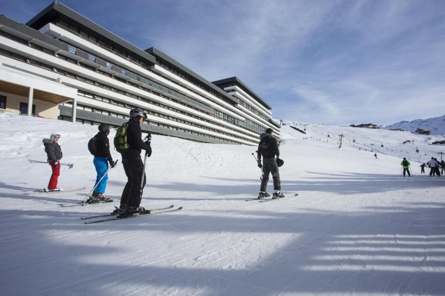 Rent in ski resort Résidence Soleil Vacances les Menuires - Les Menuires - Winter outside