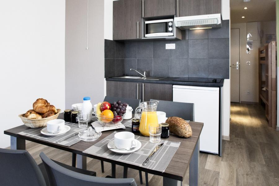 Rent in ski resort Résidence Soleil Vacances les Menuires - Les Menuires - Kitchen