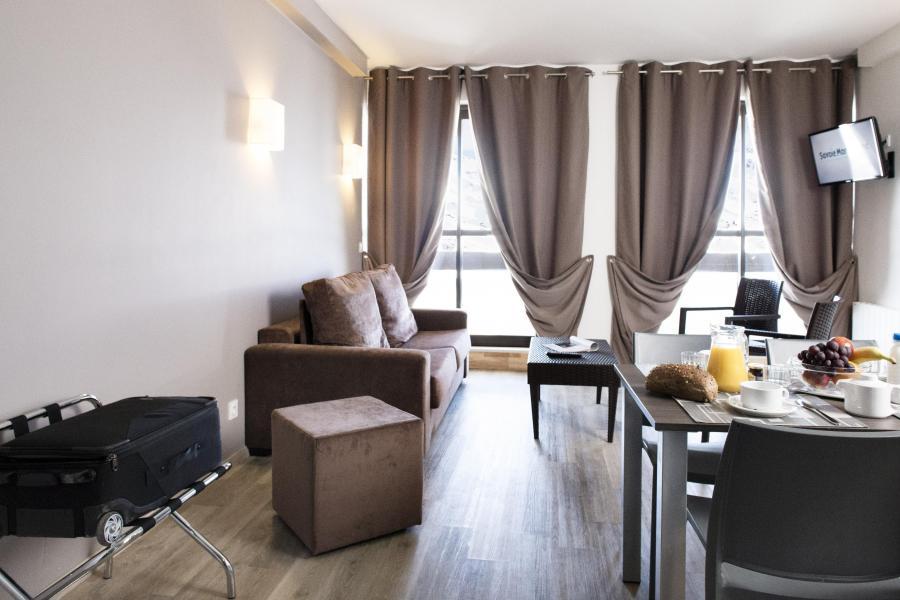 Rent in ski resort Résidence Soleil Vacances les Menuires - Les Menuires - Living room