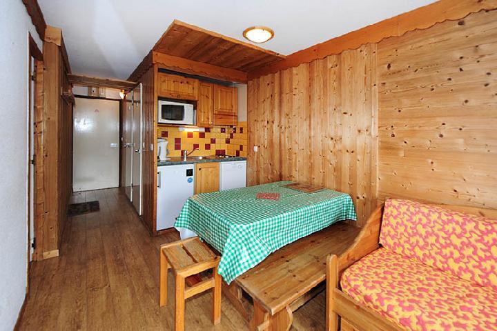 Location au ski Appartement 2 pièces cabine 5 personnes (104) - Résidence Villaret - Les Menuires - Banquette