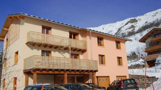 Location au ski Chalet Brequin - Les Menuires - Extérieur hiver