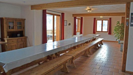 Location au ski Chalet Brequin - Les Menuires - Table