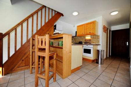 Rent in ski resort 6 room duplex apartment 13 people - Chalet Cristal - Les Menuires - Kitchen