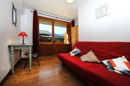 Rent in ski resort 6 room duplex apartment 13 people - Chalet Cristal - Les Menuires - Living room