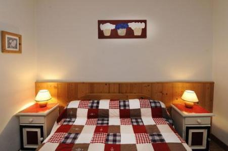 Location au ski Appartement 3 pièces 6 personnes - Chalet Cristal - Les Menuires - Lit double