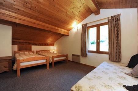 Location au ski Appartement duplex 4 pièces 10 personnes - Chalet Cristal - Les Menuires - Chambre mansardée