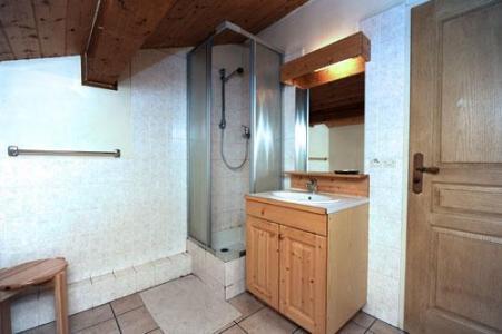 Location au ski Appartement duplex 4 pièces 10 personnes - Chalet Cristal - Les Menuires - Salle d'eau