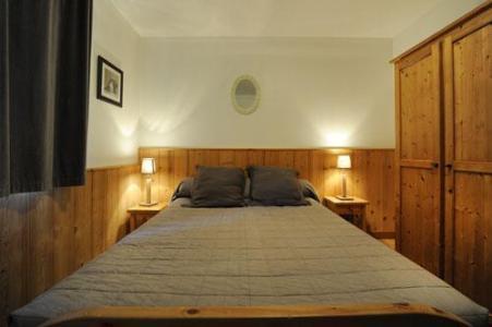 Location au ski Appartement duplex 6 pièces 13 personnes - Chalet Cristal - Les Menuires - Lit double