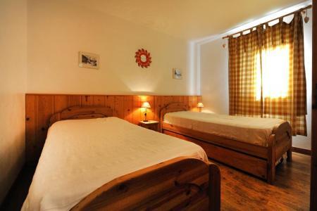 Location au ski Appartement duplex 6 pièces 13 personnes - Chalet Cristal - Les Menuires - Lit simple