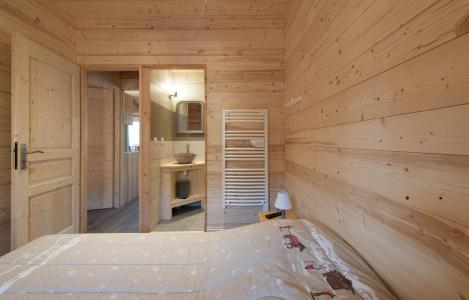 Rent in ski resort Chalet D'Alice - Les Menuires - Bedroom