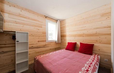 Rent in ski resort Chalet de Marie - Les Menuires - Bedroom