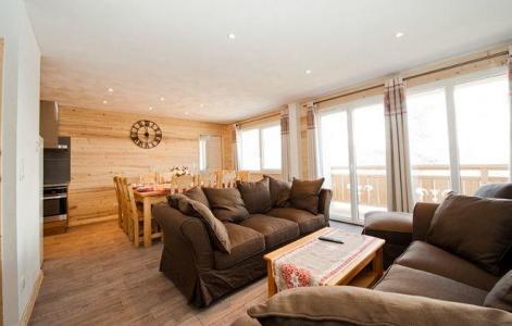 Rent in ski resort Chalet de Sophie - Les Menuires - Living room