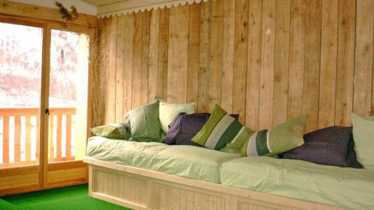 Rent in ski resort Chalet Gran Koute - Les Menuires - Bench seat