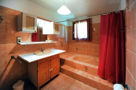 Location au ski Appartement 3 pièces 4-6 personnes - Chalet Le Chamois - Les Menuires - Salle de bains