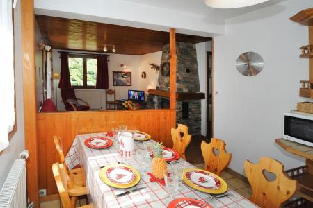 Location au ski Appartement 3 pièces 4-6 personnes - Chalet Le Chamois - Les Menuires - Table