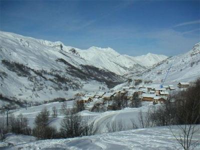 Location au ski Chalet Le Cristal - Les Menuires - Extérieur hiver