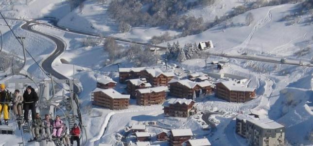 Location au ski Chalet le Hameau des Marmottes - Les Menuires - Extérieur hiver