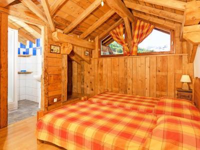 Location au ski Chalet Levassaix - Les Menuires - Chambre mansardée