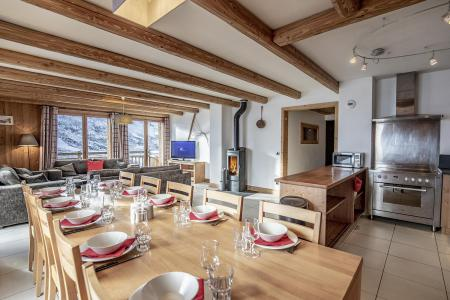 Location au ski Chalet Lili - Les Menuires - Table